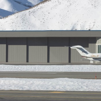 AIRPORT HANGER_1